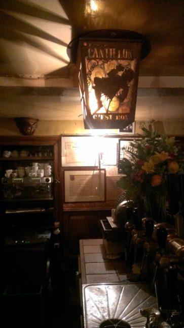 Cantillon glass light fixture In 't Spinnekopke