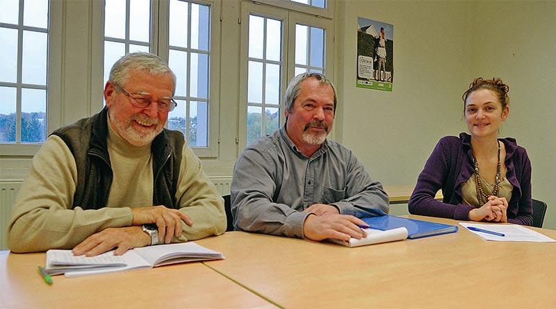 De gauche à droite: Maurice Peter, représentant de Caritas, Denis Weltin, de l'association Sundgau en transition et Anne-Sophie Parant, chargée de mission au Pays du Sundgau - Photo E.R.