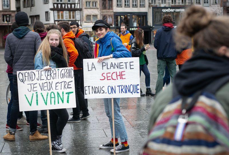 ManifClimat 001 - Protection de l'environnement : les jeunes à la rescousse