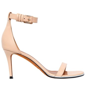 Sandali nude di Givenchy