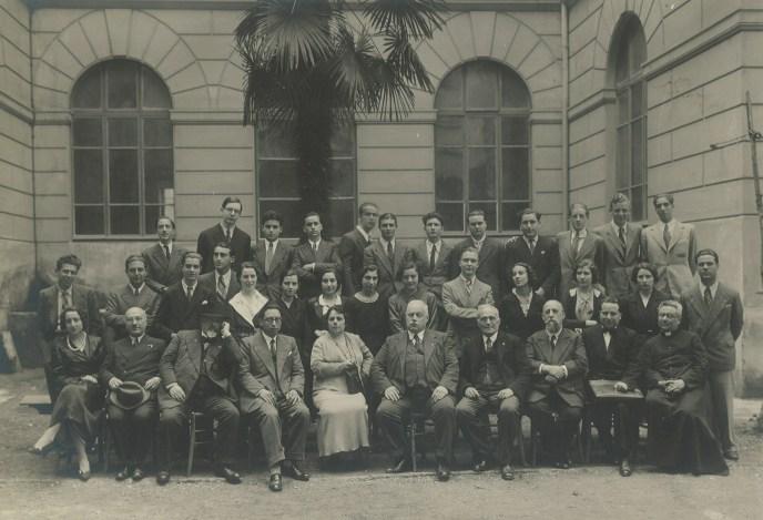 1934  4 f