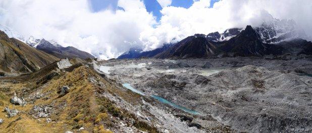 ngozumba-glacier-sagarmatha