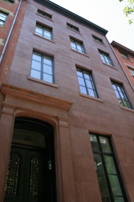 16-east-10th-st-facade
