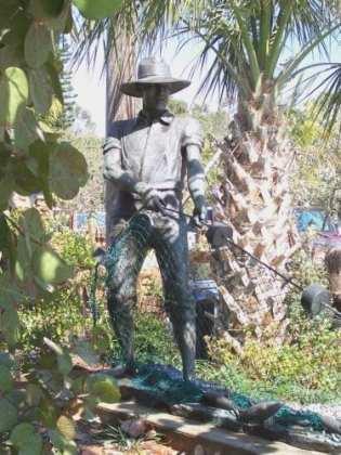 Cortez fishermen's memorial - Cindy Lane | Sun
