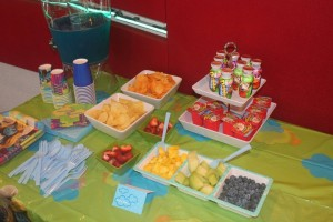 healthy snacks for smurf party