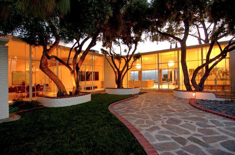 Frank Sinatra S Farralone Estate For Sale American Luxury