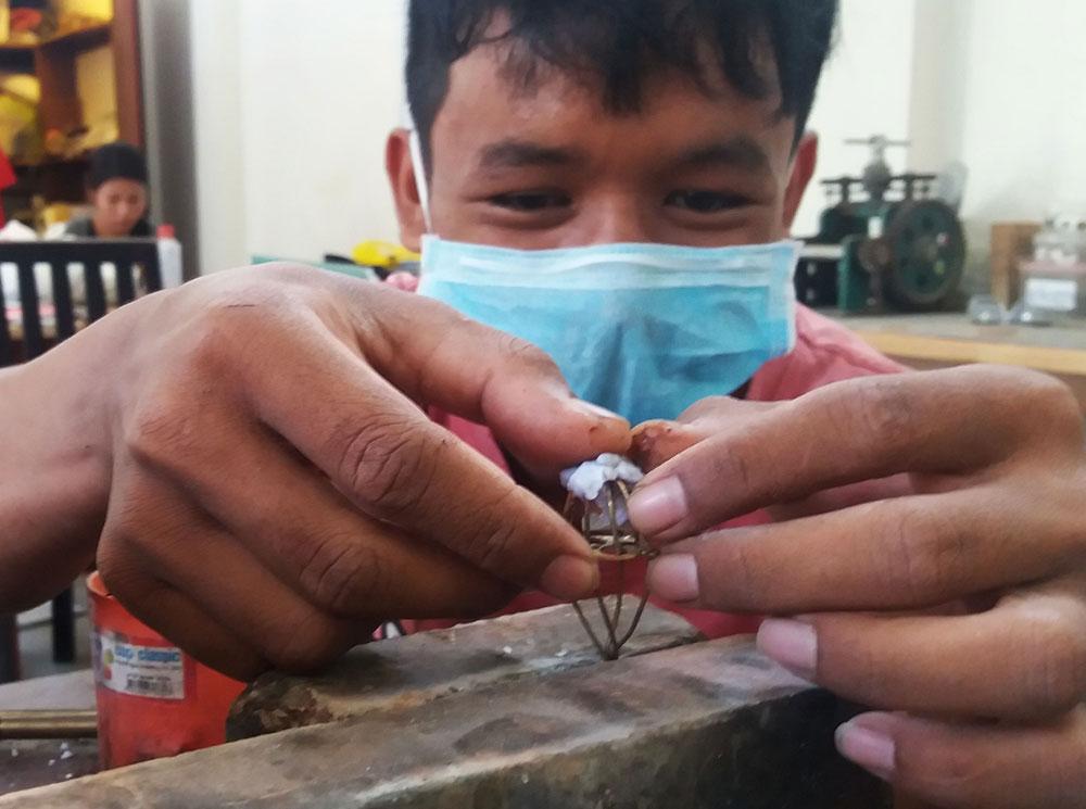 Ammo Jewellery Siem Reap, Cambodia - Team - Kenh