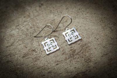 TEB3 - Silver Bayon with silver hooks