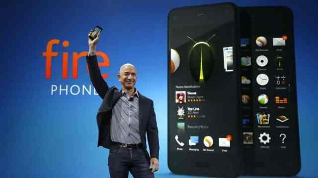 jeff-bezos-amazon-fire-phone-ap 4 أسباب حولت Amazon Fire Phone إلى صفعة على خد جيف بيزوس