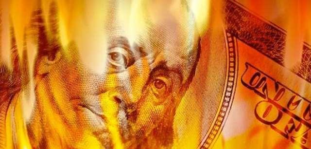 dollar-collapse 4 علامات على أن انهيار الدولار الأمريكي ممكن خلال 2017 - 2018