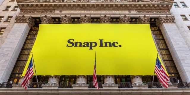 Snap اليوم الثالث لها في البورصة: سناب شات خسرت 5 مليار دولار وقد تخسر المزيد من قيمتها مستقبلا!