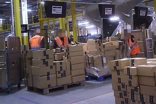 Amazon تحقيق: العبودية والأمراض النفسية وانهيار العمال في مستودعات أمازون