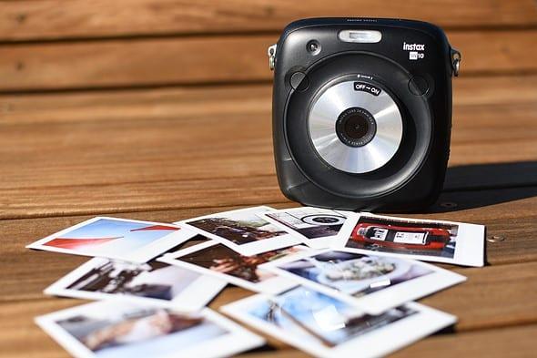 FUJIFILM-INSTAX-SQ10 أفضل الكاميرات الفورية في الوقت الحالي