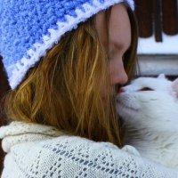 Tutti i modi in cui il gatto dimostra che ti ama e si fida di te