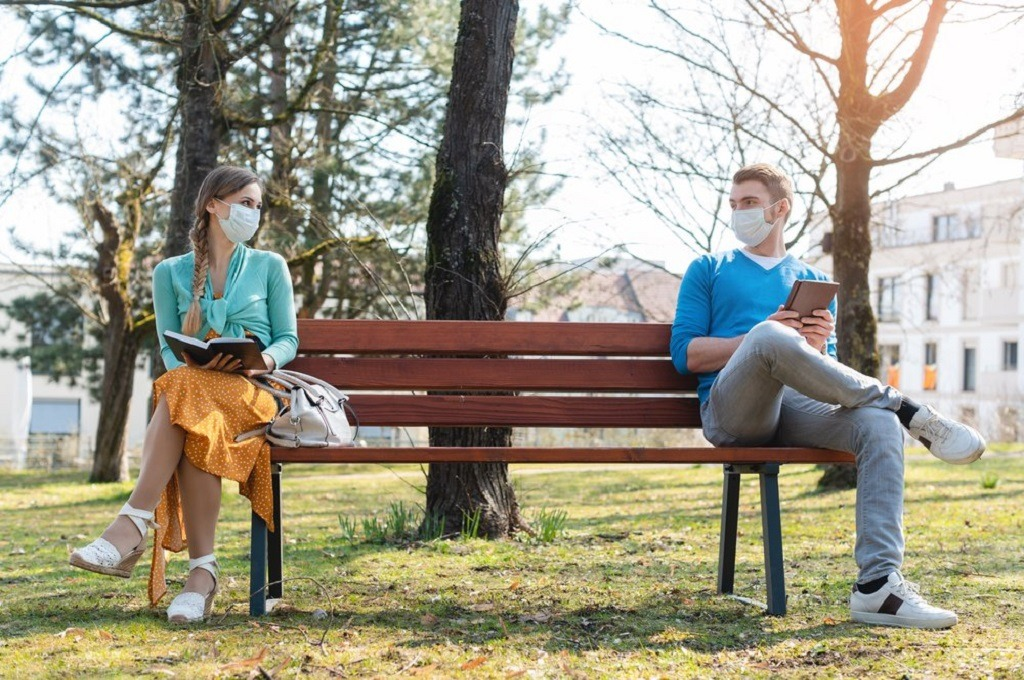 Pandemic Dating Often Feels Like a Period Drama Courtship
