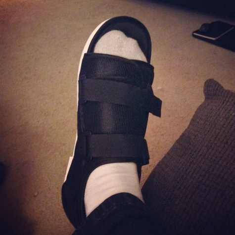 Injured foot shoe
