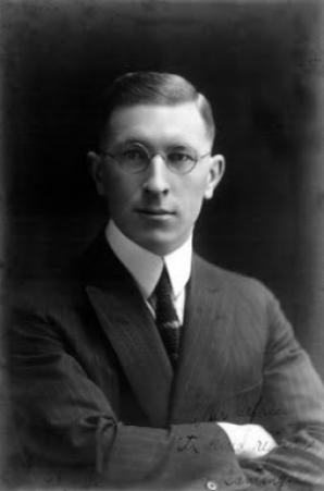 Biografi Frederick Grant Banting Penemu Insulin dari Kanada Biografi Frederick Grant Banting Penemu Insulin dari Kanada