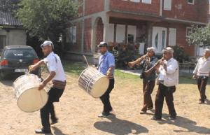 Uniknya Tradisi Menyambut Ramadhan Umat Muslim di Albania