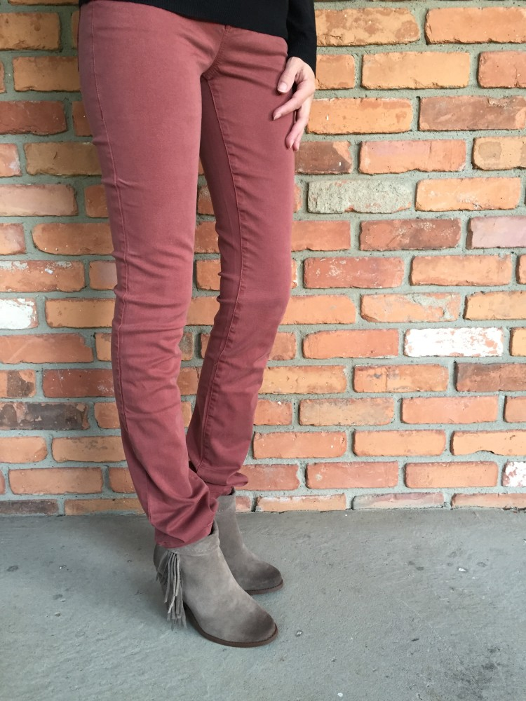 Giovanni Straight Leg Jeans by Level 99 // www.amonkeyandhismama.com