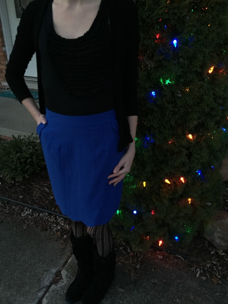 Heidi Scallop Hem Pencil Skirt, Brixon Ivy December Stitch Fix // www.amonkeyandhismama.com