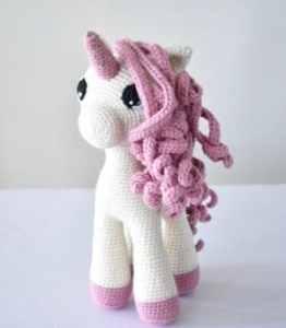 Stella unicorn crochet pattern 1