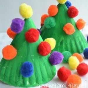 christmas tree kid crafts - christmas kid craft - arts and crafts activities - amorecraftylife.com #kidscraft #craftsforkids #preschool
