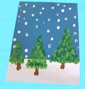 winter fingerprint christmas tree kid crafts - christmas kid craft - arts and crafts activities - amorecraftylife.com #kidscraft #craftsforkids #christmas #preschool