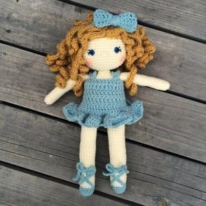 doll crochet patterns - crochet pattern pdf - amigurumi crochet pattern - amorecraftylife.com #doll #crochet #crochetpattern