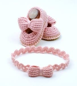 baby shoes crochet patterns - baby booties - baby gift - crochet pattern pdf - amorecraftylife.com