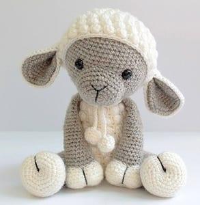 Häkelschaf Teil 2/2 * Tutorial * Crochet Sheep [eng sub] - YouTube | 300x293