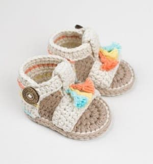 baby sandals crochet pattern - baby shoes crochet patterns - baby booties - baby gift - crochet pattern pdf - amorecraftylife.com #crochet #crochetpattern #baby