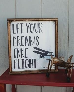 airplane nursery ideas - boy nursery theme - amorecraftylife.com #baby #nursery #babygift