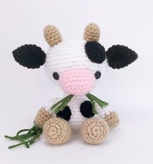 cow crochet pattern- - amigurumi amorecraftylife.com #crochet #crochetpattern #diy