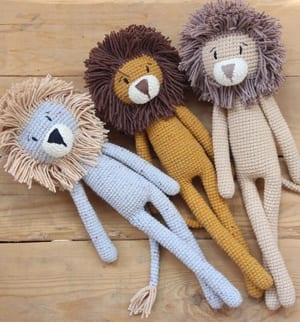 Free Crochet Lion Pattern - thefriendlyredfox.com   322x300