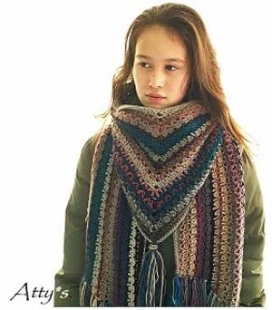 free crochet triangular shawl pattern- scarf crochet pattern -crochet pray shawl pattern pdf -wrap - paid and free pattern -amorecraftylife.com #crochet #crochetpattern