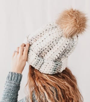 This image has an empty alt attribute; its file name is everest-beanie-free-crochet-hat-pattern-1.jpg