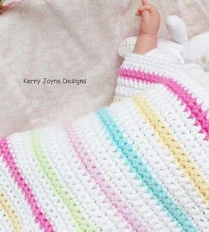 easy baby blanket crochet pattern - quick baby blanket - amorecraftylife.com #baby #crochet #crochetpattern #freecrochetpattern