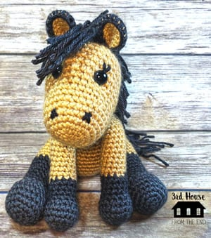 horse crochet pattern- pony pattern - crochet pattern pdf - amigurumi amorecraftylife.com #crochet #crochetpattern