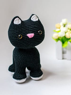 Crochet a Couple of Tux and Tabby Persian Cat Buddies – Such ... | 404x300