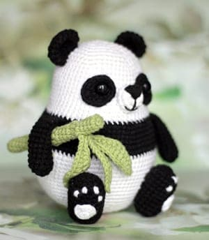 Adorable Panda Bear Amigurumi FREE Crochet Pattern | 344x300