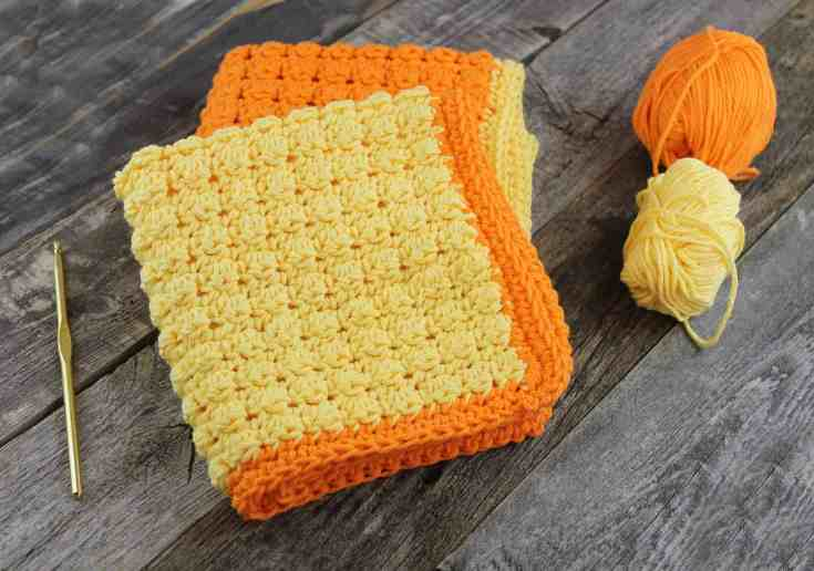 free even berry crochet dish cloth crochet pattern -amorecraftylife.com #crochet #crochetpattern #diy #freecrochetpattern