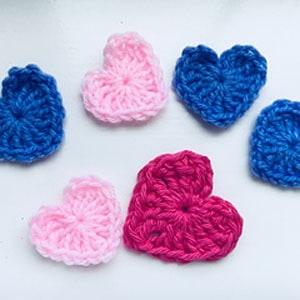 heart crochet pattern free- crochet pattern pdf - valentines day pattern- amorecraftylife.com #heart #crochet #crochetpattern #freecrochetpattern