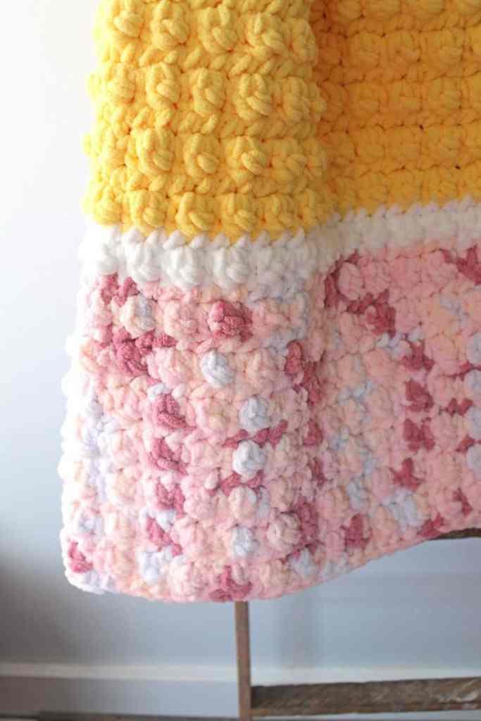 chunky crochet blanket pattern free - free printable pdf crochet pattern - amorecraftylife.com -crocheted afghan - free printable crochet pattern #crochet #crochetpattern #freecrochetpattern #crochetblanketpattern