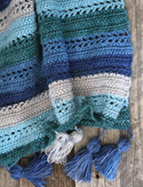 Make this easy ocean wrap free pattern. amorecraftylife.com - free printable crochet pattern #crochet #crochetpattern #freecrochetpattern