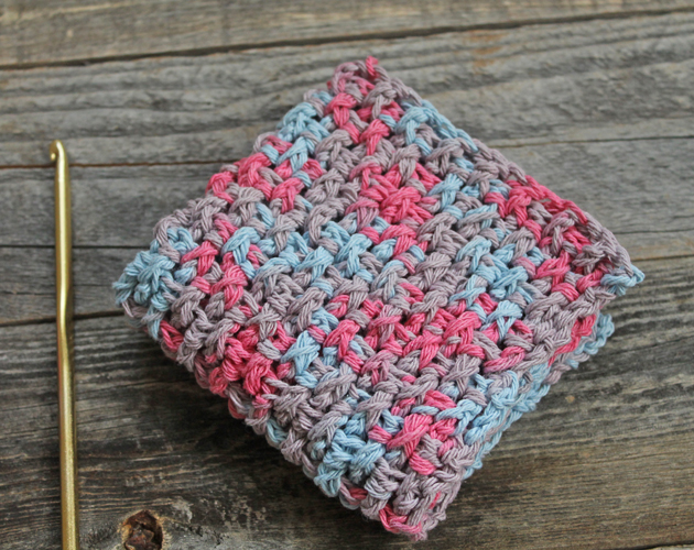 easy rice stitch crochet washcloth pattern - free printable pdf - amorecraftylife.com #crochet #crochetpattern #freecrochetpattern