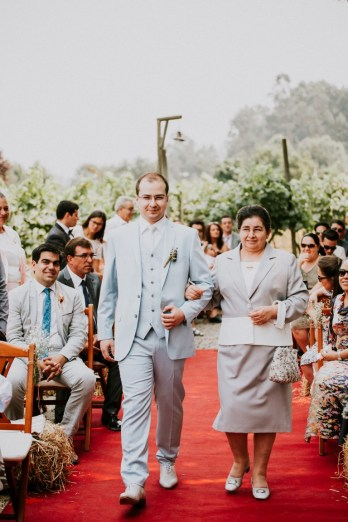 Destination Wedding in Portugal Vineyard - Gabi + Joe_069
