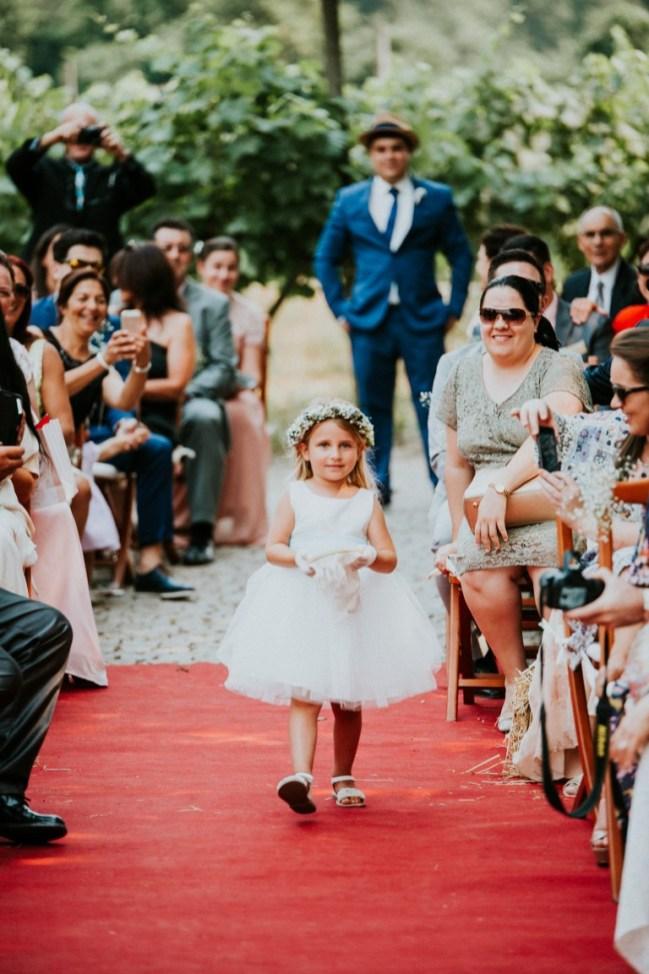 Destination Wedding in Portugal Vineyard - Gabi + Joe_089