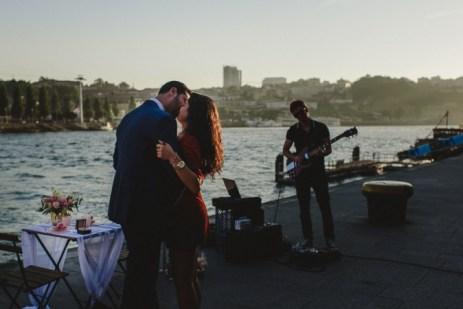 pedido de casamento na ribeira do douro com musica ao vivo