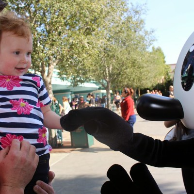 Disney With Minis: Ten Tips for a Disney Adventure