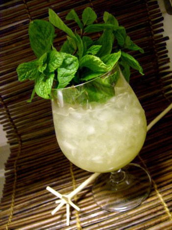 chartreuse-swizzle